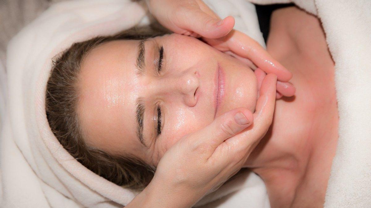 масажиране на лице